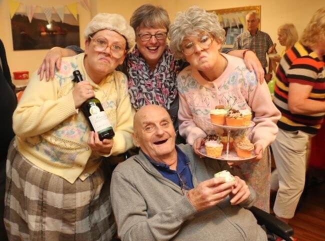 The Fizzogs perform at Cookley care home